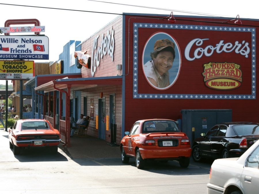 Cooters Garage Nashville