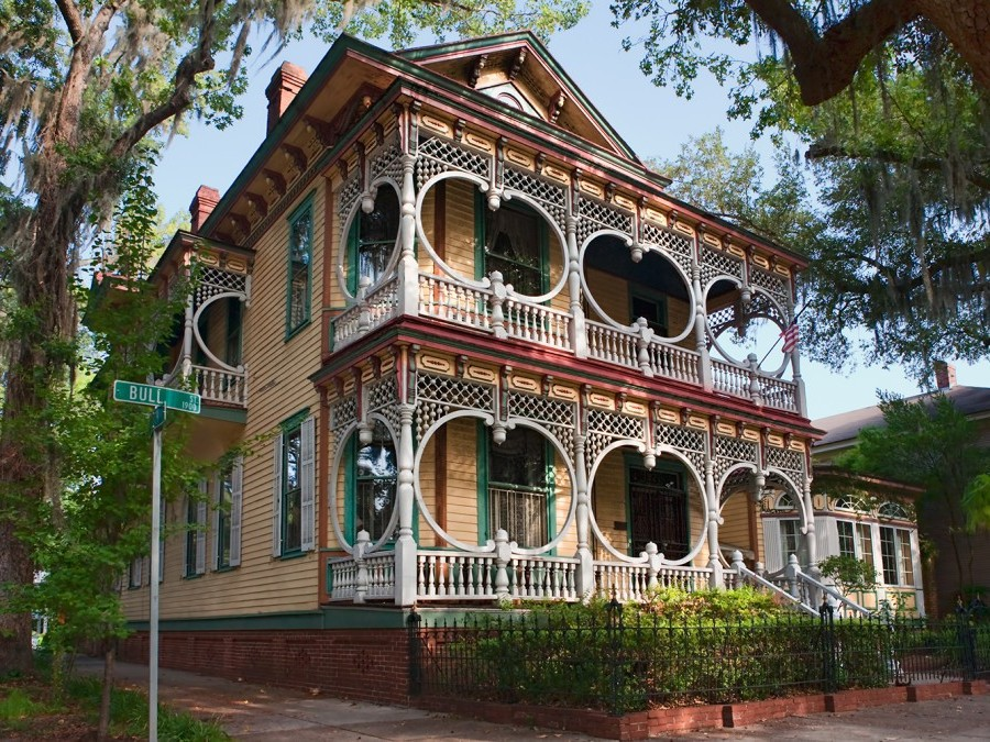 Gingerbread_House_in_Savannah